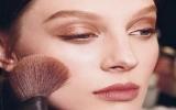 Tám bước trang điểm để có một làn da hoàn mỹ