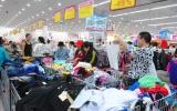 Hàng hóa phục vụ Tết Nguyên đán 2013: Chỉ còn chờ người mua