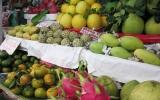 Giá trái cây phục vụ tết tăng cao