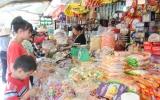 """Thị trường dịp tết nguyên đán:  Sản phẩm bánh kẹo Việt """"lên ngôi"""""""
