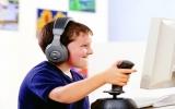 Trẻ em nên hạn chế xem tivi và dùng máy tính
