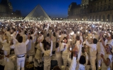 Pháp bớt lung linh để bảo vệ môi trường