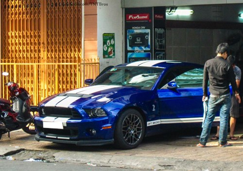 ford-shelby-gt500-4-1373624903_500x0.jpg