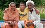 Cậu bé có đuôi ở Ấn Độ được tôn sùng như vị Thần
