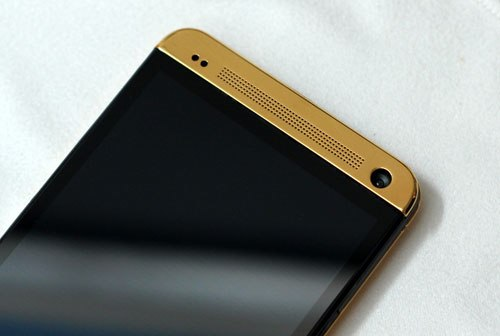 HTC-One-gold-3.jpg