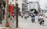 Trụ đèn vi phạm luật giao thông!?