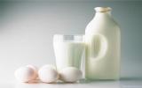 Làn da căng mềm, trắng mịn nhờ sữa