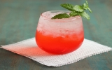 Cocktail rượu rum chanh leo