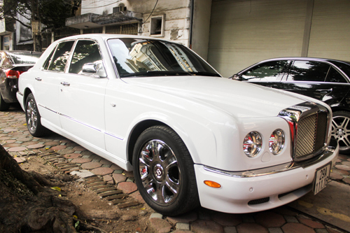 bentley-arnage-r-2-1377320540.jpg