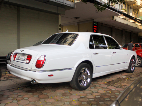bentley-arnage-r-4-1377326651.jpg