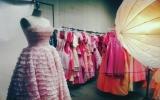 Bộ sưu tập 55.000 chiếc váy của cụ ông dành tặng vợ