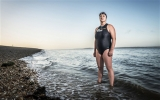 Bơi 90 km quanh đảo lớn nhất nước Anh