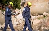 Rađa giúp phát hiện nạn nhân dưới đống đổ nát