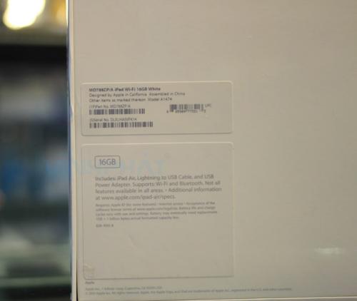 Phiên bản Quốc Tế WiFi 16GB ZP được mua tại Hong Kong.