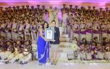 Đám cưới lập kỷ lục thế giới với 126 phù dâu giúp