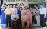 Một gia đình có 15 nhà giáo