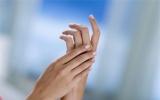 Mẹo nhỏ giúp da tay không bị khô