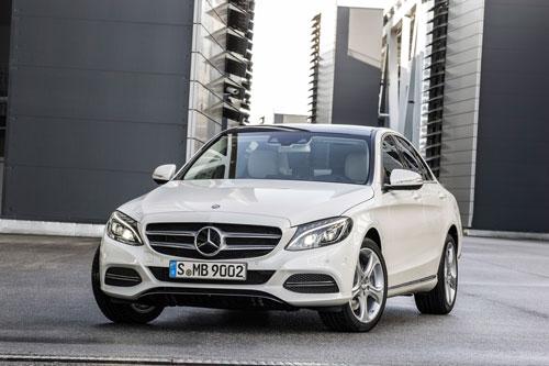 2015-Mercedes-C-Class-44-3-3385-13872460