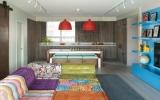 Không gian sống đẹp hơn với sofa màu sắc chuẩn