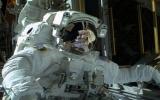 Các nhà du hành vũ trụ tiếp tục khắc phục sự cố trên ISS