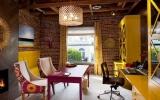 Căn nhà đầy mê hoặc nhờ sắc tím phong lan