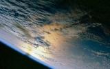 Lên vũ trụ ngắm Trái đất với chi phí