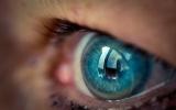 Google phát triển kính áp tròng theo dõi đường huyết