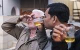 Uống nước tiểu bò để chữa bách bệnh