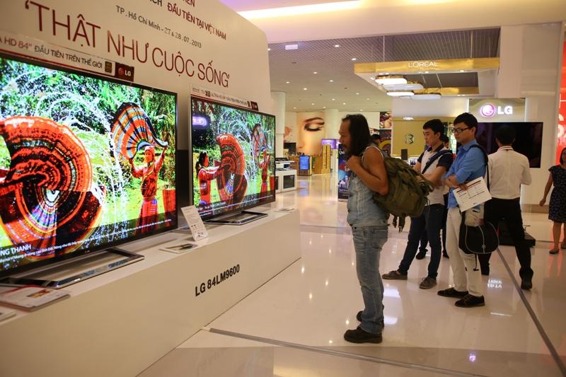 Đã có khoảng 150 chiếc TV Ultra HD kích thước 84 inch của LG được bán ra thị trường