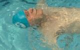 Cụ ông trăm tuổi trở thành vận động viên bơi lội lớn tuổi nhất thế giới