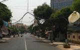 Dây cáp điện thòng lọng giữa đường