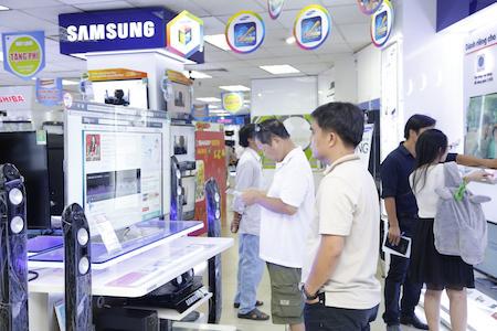 Người tiêu dùng bối rối trước việc mua sắm TV theo chuẩn mới.