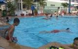 Bảo vệ sức khỏe khi đi bơi