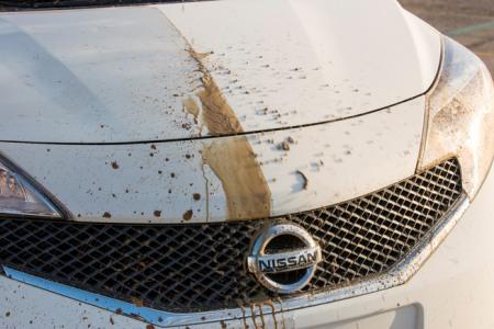 Dưới đây là video thử nghiệm công nghệ sơn Ultra-Ever Dry của Nissan: