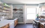 Thiết kế biến căn bếp nhỏ thành rộng