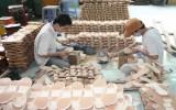 维护和发展平阳的传统木拖鞋行业