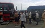 Xe khách lao thẳng vào đầu xe tải, cấp cứu 17 người