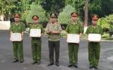 Công an tỉnh: Khen thưởng dưới cờ đầu tháng 7