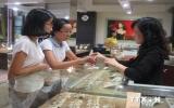 Giá vàng SJC giảm nhẹ, giao dịch gần mức 37 triệu đồng mỗi lượng