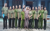 Hội phụ nữ Công an tỉnh: Thăm viếng gia đình các đối tượng chính sách