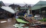 Lốc xoáy kinh hoàng cuốn sập, bay mái 147 căn nhà