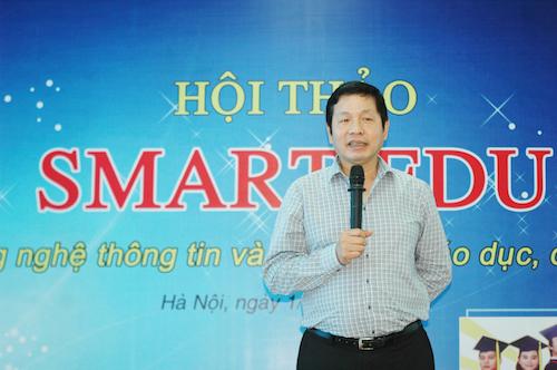 PGS. TS Trương Gia Bình chia sẻ tại hội thảo.