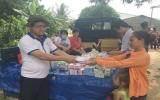 Khám bệnh, tặng quà cho người nghèo ấp Hòa Lộc, xã Minh Hòa
