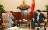 Phó Thủ tướng Phạm Bình Minh tiếp thượng nghị sỹ Bob Corker