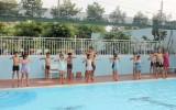 Thị xã Bến Cát: Bế giảng lớp dạy bơi miễn phí cho trẻ em nghèo