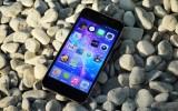 Smartphone tầm trung hút khách mùa tựu trường