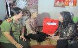 Các cơ quan Hội phụ nữ: Thăm, tặng quà Bà mẹ Việt Nam anh hùng