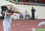 HLV Graechen: 'Ngày mai dễ mưa to... vì cầu thủ U19 Việt Nam'
