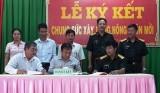UBND xã Minh Tân (Dầu Tiếng): Ký kết xây dựng nông thôn mới với Ban CHQS TX.Dĩ An, Nông trường cao su Minh Tân