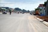 Thảm nhựa một số đoạn công trình đường vào Trung tâm Hành chính tỉnh